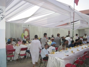 Photo of Argan Sports serving dinner to less fortunate during the 30 days of the Ramadan Fasting